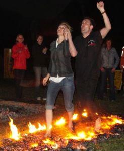 Erlebnis Mentaltraining mit Feuerlauf www.feuerlauf-seminar.at