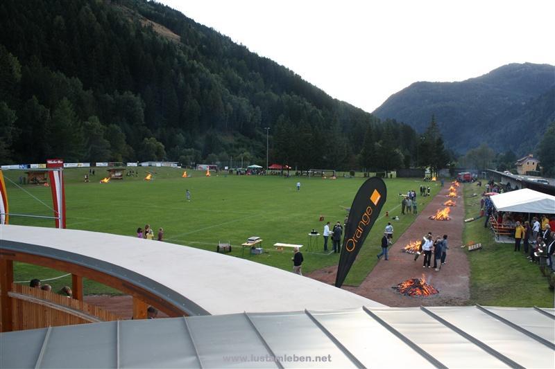 Weltrekord Feuerlauf 285 Meter